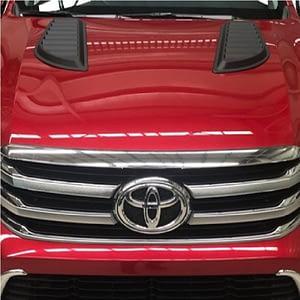 Ornamente capotă - Toyota Hilux 12' - 19'
